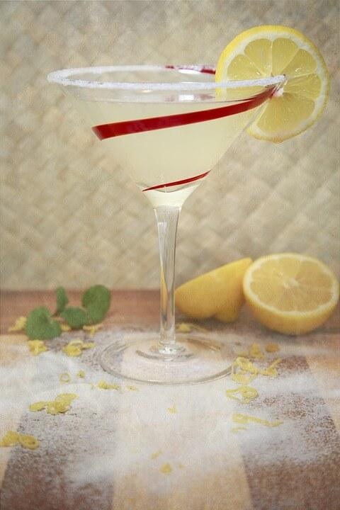 kieliszki do drinków i likierów